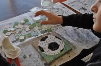 activite-enfant-nice-atelier-mosaique-creation
