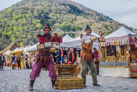 spectacle-animations-magicien-fete-medievale-06