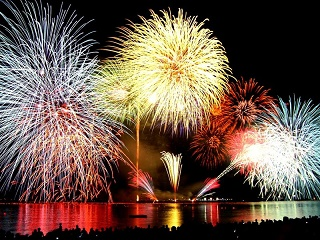 feux-artifice-cote-azur-franch-riviera
