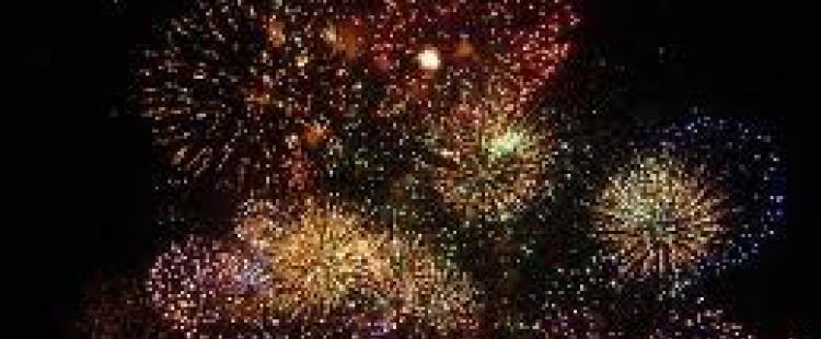 feu-artifice-14-juillet-antibes-juan