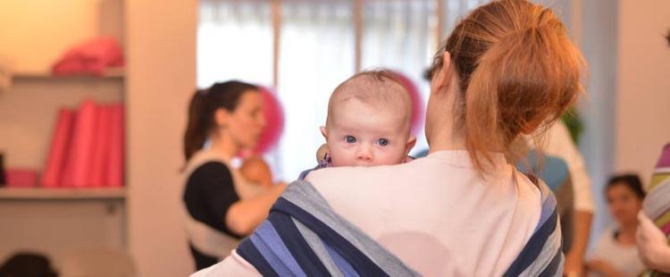 Atelier de portage bébé et Danse Portage chez Maman Bulle à Nice ... b4c13dba3a5