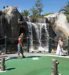 adventure-golf-famille-sortie-antibes