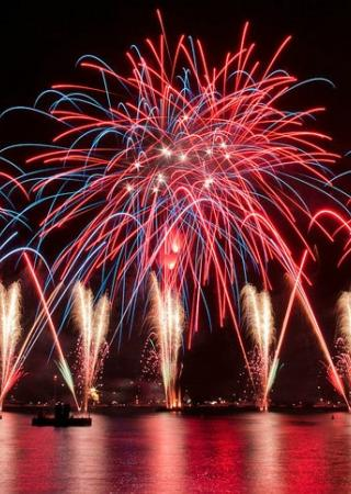 feu-artifice-nouvel-an-antibes-juan-pins