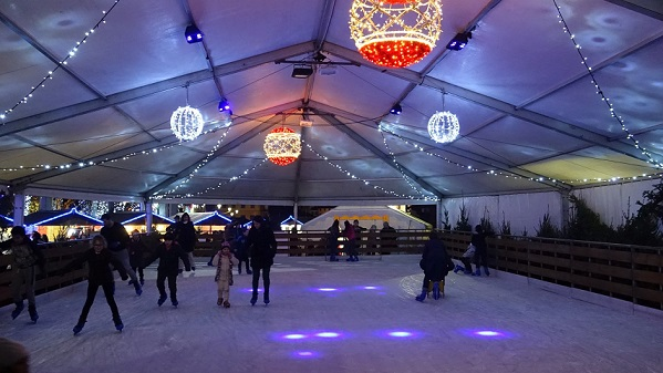 patinoire-grasse-village-noel-soiree-dj