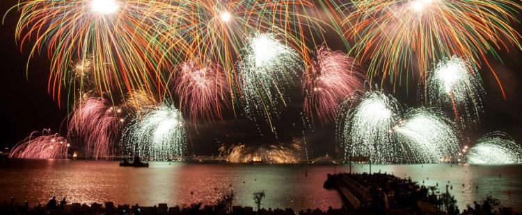 feux-artifice-cote-azur-alpes-maritimes-2021