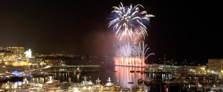 feu-artifice-monaco-fete-nationale-monte-carlo